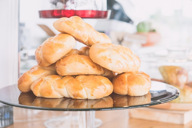 Bäckerei frisch körnig braun brot
