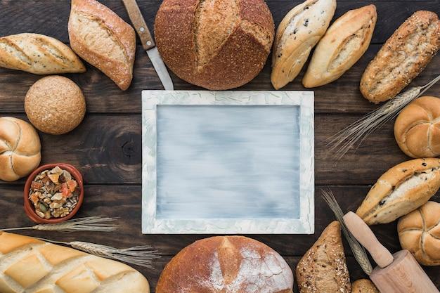Bäckereiproduktplan mit behälter