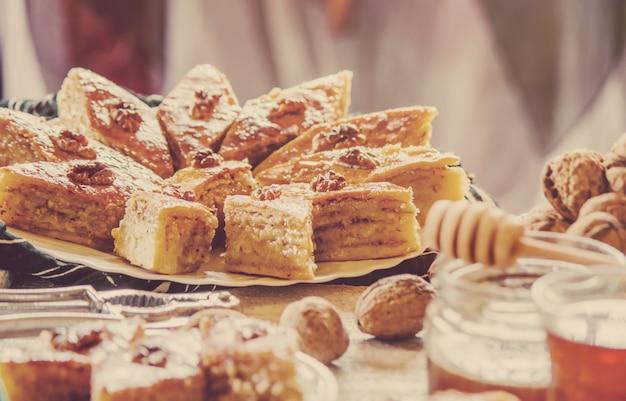 Baklava honig und tee