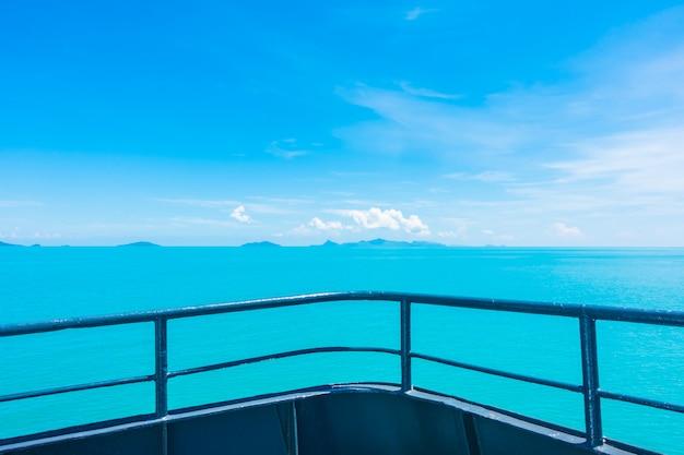 Balkon oder schiff im freien