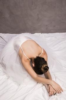 Ballerina-niederlegung des hohen winkels