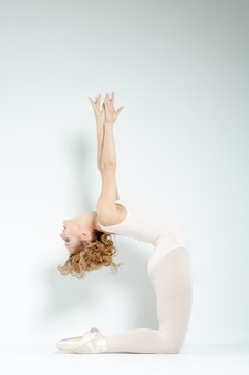 Balletttänzer im studio