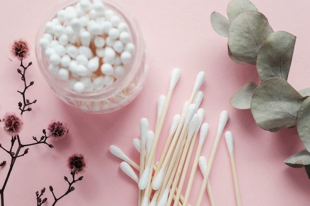 Bamboo-ohrhörer, kunststofffrei, abfallfrei, wiederverwendbare produkte für das badezimmer