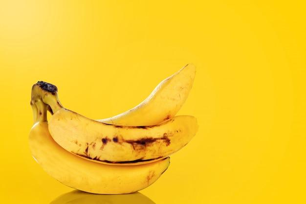 Banane in leuchtenden farben