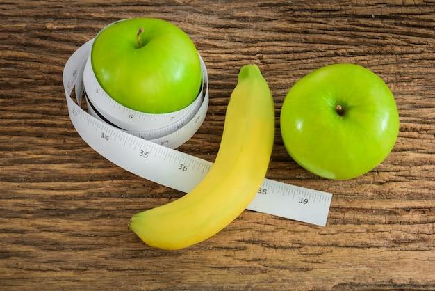 Banane länge und apfel männlichen genitalen konzept einer werbung kann verwendet werden)