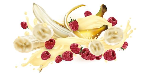 Bananen und himbeeren in einem milchshake oder joghurt.