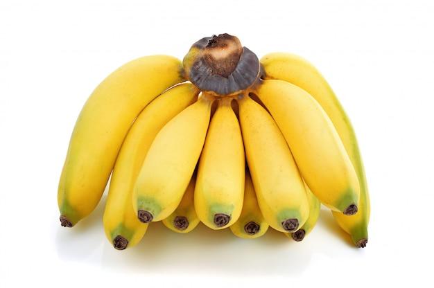 Bananenbündel lokalisiert auf weiß
