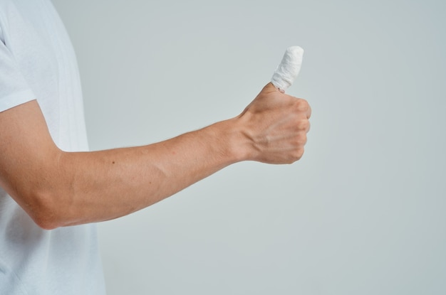 Bandagierte fingerhandverletzung aus nächster nähe