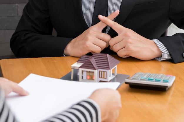 Banken lehnen kredite ab, um nach hause zu kaufen