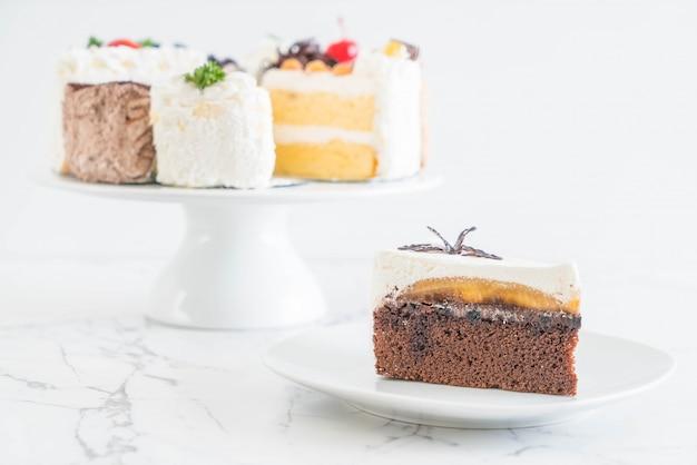 Banoffee-kuchen auf teller