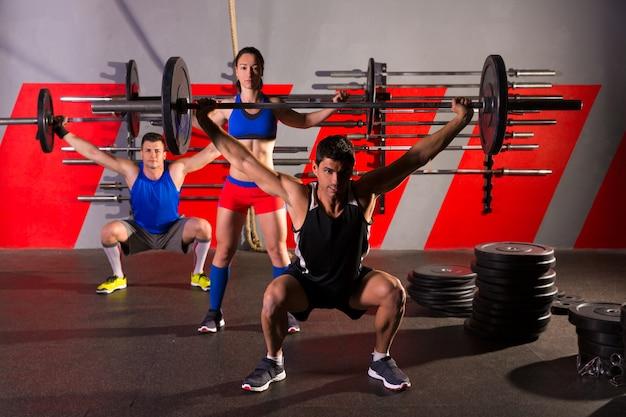 Barbell gewichtheben gruppe training übung gym