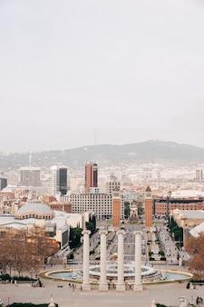 Barcelona spanien dezember der magische brunnen von montjuic auf dem hügel von montjuic in barcelona spanien
