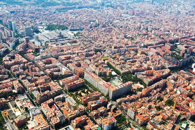 Barcelona vom hubschrauber. sants bezirk