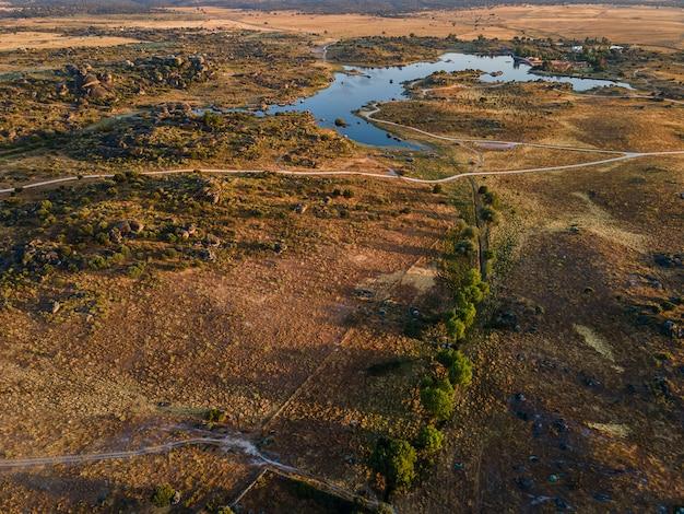 Barruecos. landschaft in der nähe von malpartida de caceres. extremadura. spanien.
