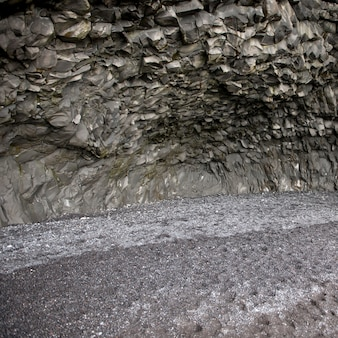 Basalt-felsformation in der höhle
