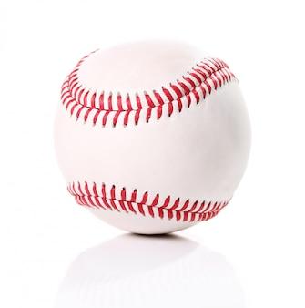 Baseballkugel auf weiß