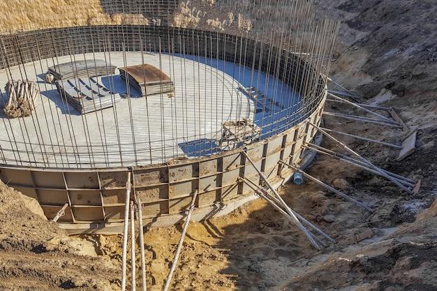 Bau eines modernen runden gebäudes