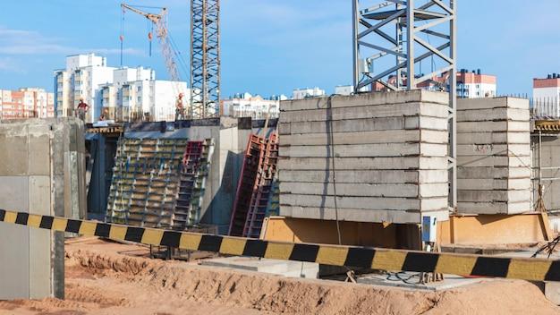 Bau eines monolithischen stahlbetonhauses moderne bautechnologien