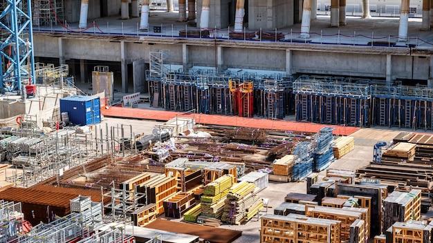 Bauarbeiten an der mittelmeerküste in monaco