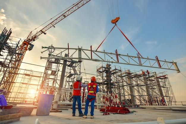 Bauarbeiter fachwerk installation
