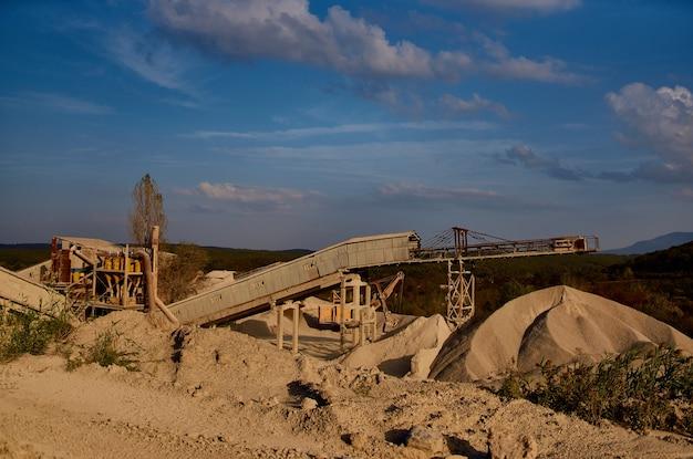 Baubagger arbeit geologie materialtransport