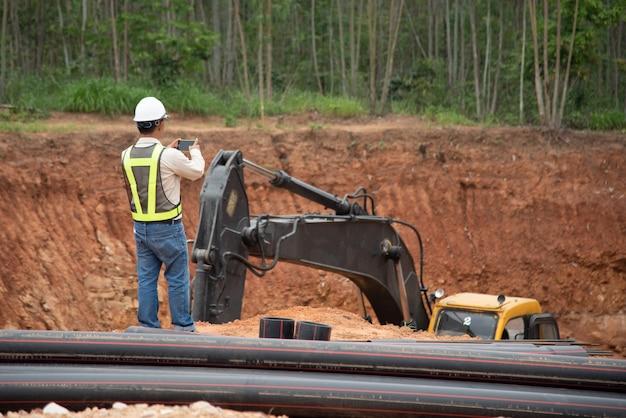 Bauingenieurinspektion fortschritt bauarbeiten
