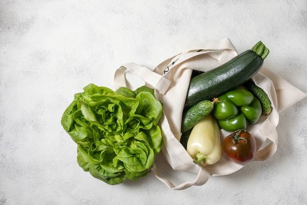 Baumwolleinkaufstasche des grünen gesunden gemüses