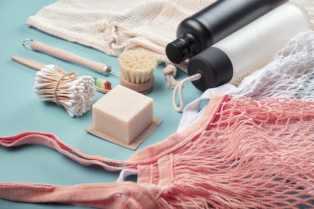 Baumwolltaschen, wiederverwendbare wasserflaschen und umweltfreundliche accessoires