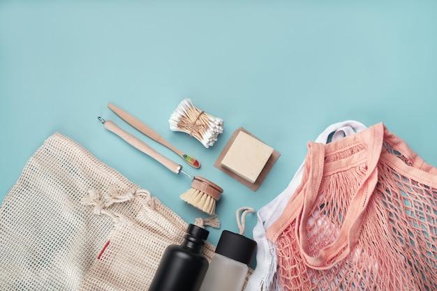 Baumwolltaschen, wiederverwendbare wasserflaschen und umweltfreundliches zubehör