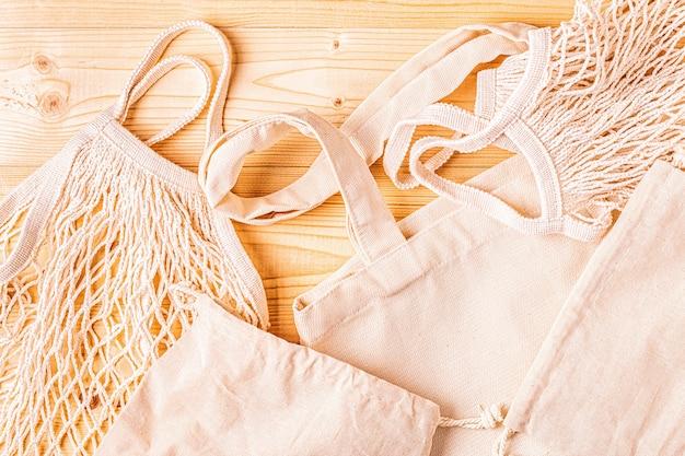 Baumwolltaschen zum kostenlosen einkaufen in plastik