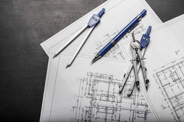 Bauplanungszeichnungen auf schwarzem hintergrund