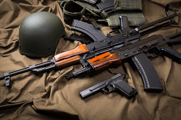 Bausatz der gemäßigten russischen militärausrüstung