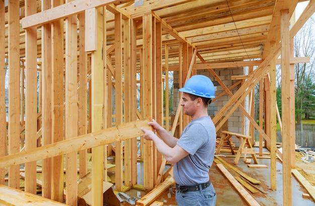 Bauunternehmer, die neues haus bauen