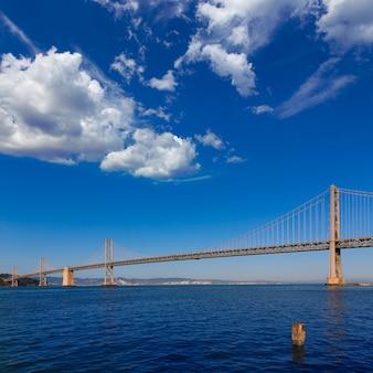 Bay bridge in san francisco nach oakland kalifornien