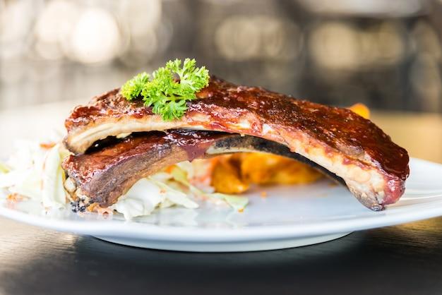 Bbq rippchen fleisch steak