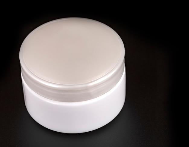 Beauty cream container
