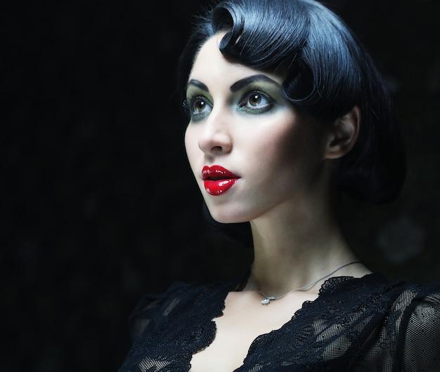 Beauty mädchen mit schwarzen haaren,
