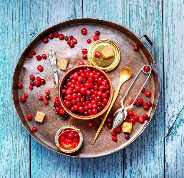 Beeren von cranberries zum tee