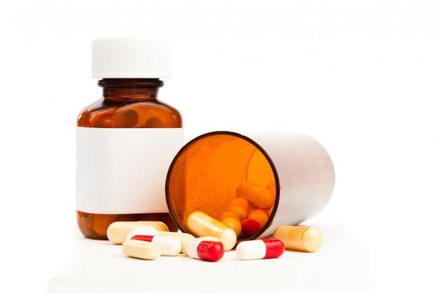 Behälter mit medikamenten umgekippt Premium Fotos