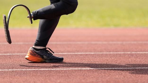 Behinderter athlet läuft aus nächster nähe