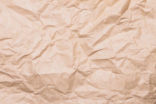 Beiges horizontal geknittertes papier