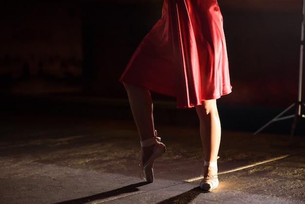 Beine des tänzers.