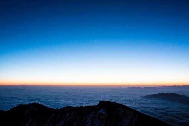 Beleuchtet horizont