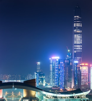 Beleuchtetes stadtbild in shanghai