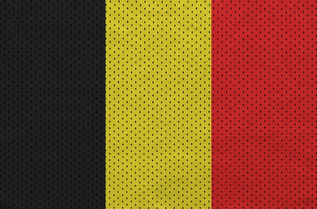 Belgien-flagge auf sportswear-netzgewebe aus polyester-nylon gedruckt