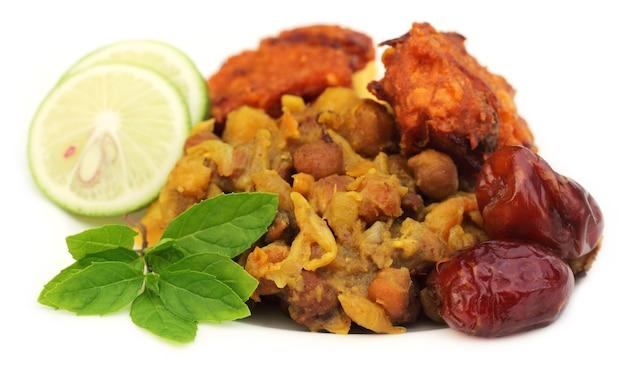 Beliebte iftar-artikel für den heiligen ramadan in bangladesch