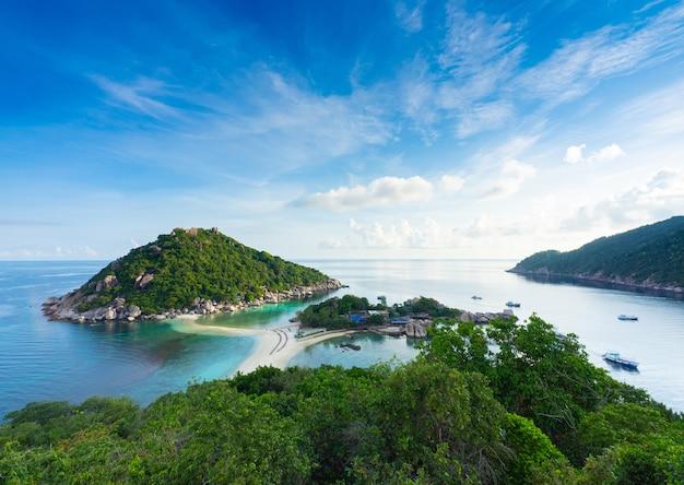 Beliebtes touristenziel der insel nang yuan in der nähe der insel samui im golf von thailand