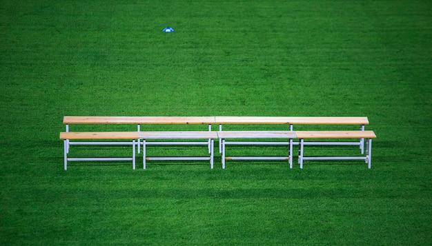Benc in einem fußballstadion