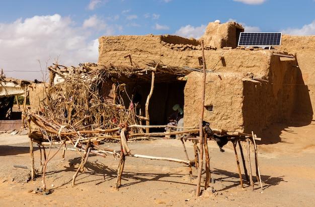 Berberhütte in der sahara-wüste