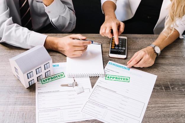 Berechnung des hauspreises des kunden und des agenten